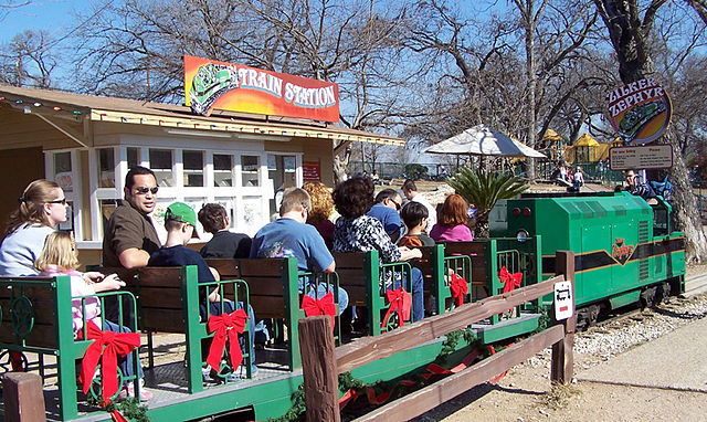 """Zilker train"" by Larry D. Moore. Licensed under CC BY-SA 3.0 via Wikimedia Commons"