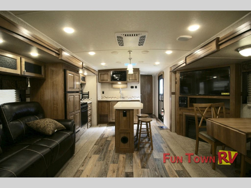 Rockwood Signature Ultra Lite >> Rockwood Signature Ultra Lite Travel Trailer-Don't Go On Vacation Without It - Fun Town RV Blog