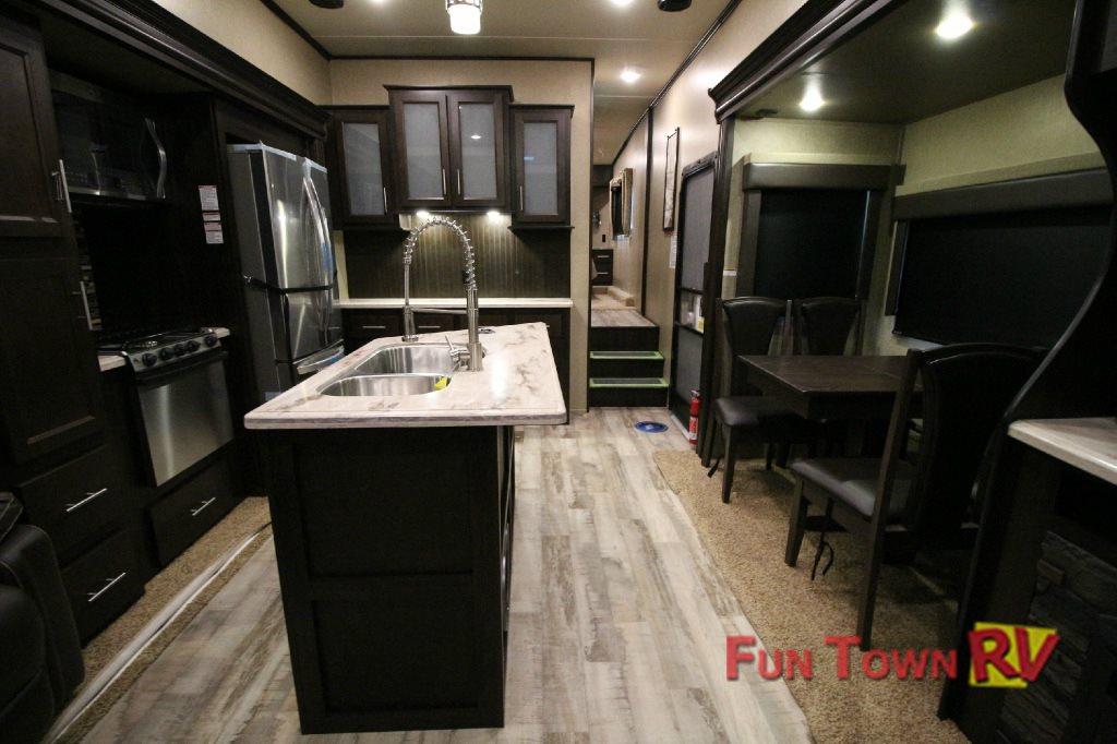 XLR Thunderbolt Toy haulers Interior