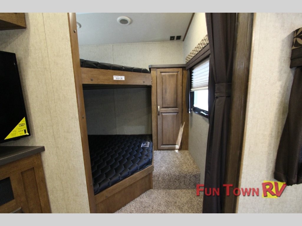 Sabre Lite 28BH Fifth Wheel Bunkhouse