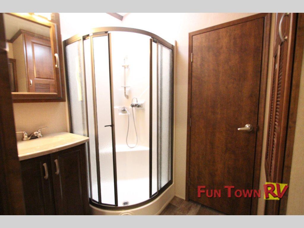 Forest River Cardinal 3800FL Fifth Wheel Bathroom