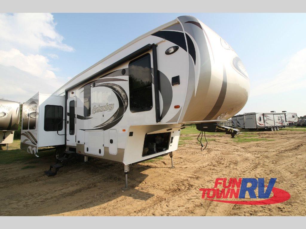 Palomino Columbus Fifth Wheel: Classy Coach For RV Adventure