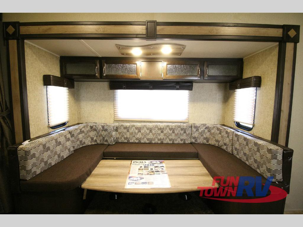 Palomino Puma Unleashed 5th Wheel Toy Hauler Dinette