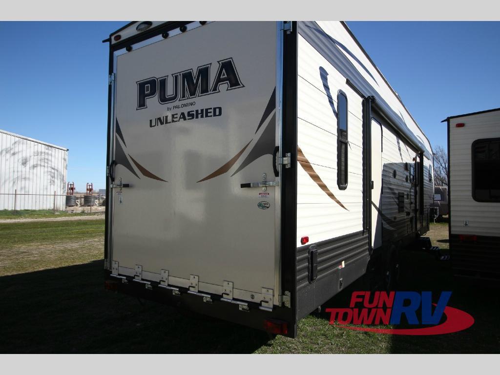 Palomino Puma Unleashed 5th Wheel Toy Hauler Rear