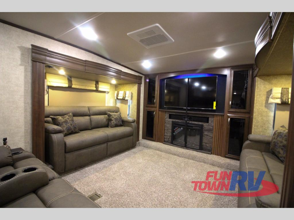 Front Living Room Fifth Wheel