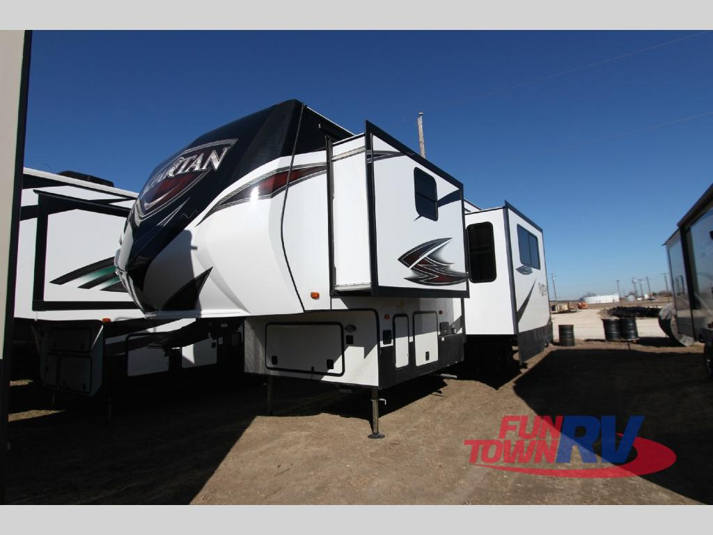 Prime Time Spartan Fifth Wheel Toy Hauler