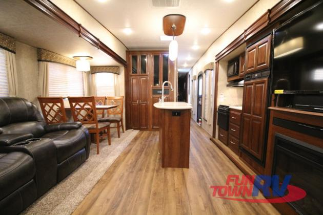 Forest River Black Diamond Fifth Wheel Interior