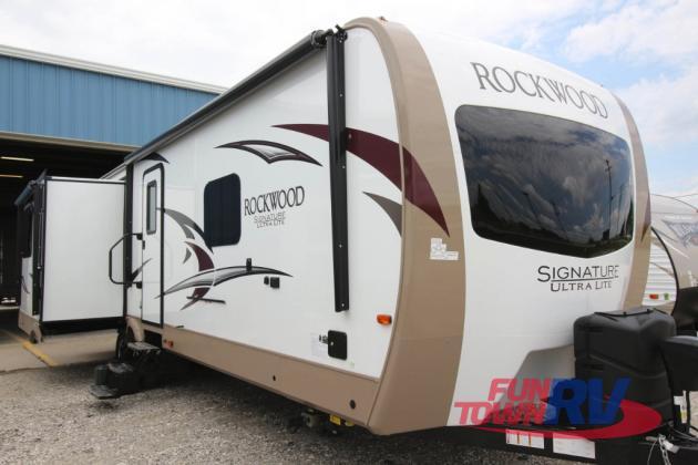 Forest River Rockwood Signature Ultra Lite Travel Trailer