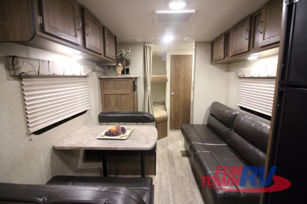 Gulf Stream Kingsport 275FBG Travel Trailers Interior