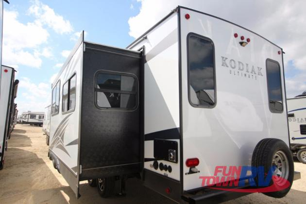 Dutchmen Kodiak Ultimate Travel Trailer Rear
