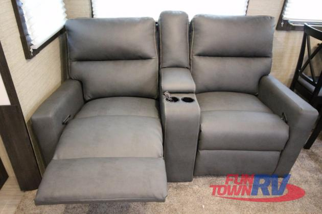 Dutchmen Kodiak Ultimate Travel Trailer Seating