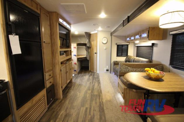 Coachmen Freedom Express Travel Trailer Interior