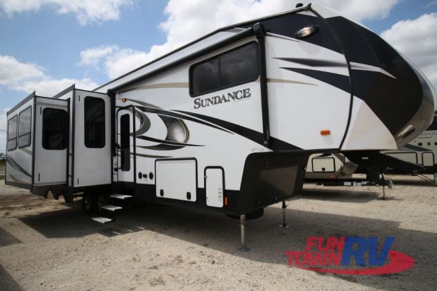 Heartland Sundance 3200MVP Fifth Wheel Exterior