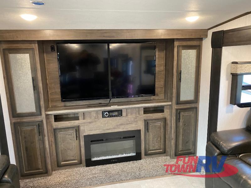 Elkridge living room